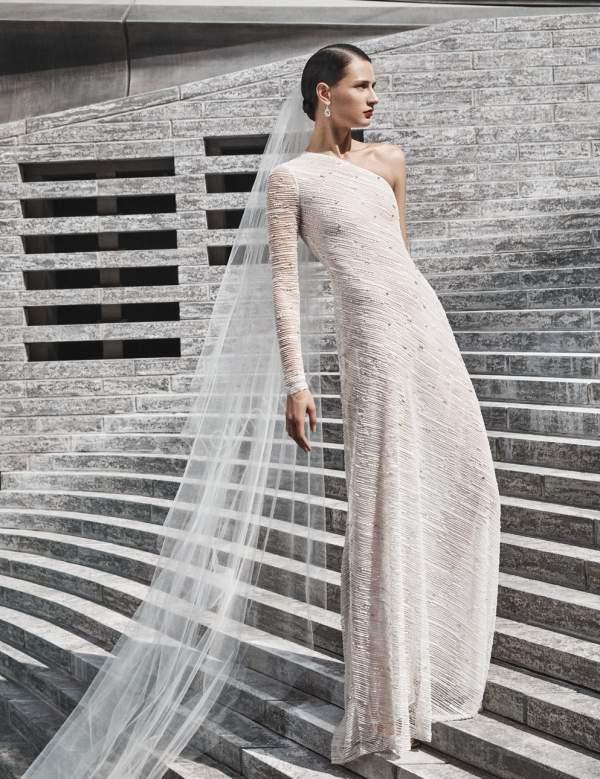 Naeem Khan 2019 Tek Omuz Gelinlik Modeli