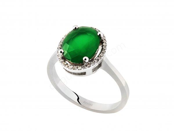 yuvarlak kesim yeşil taşlı yüzük modeli
