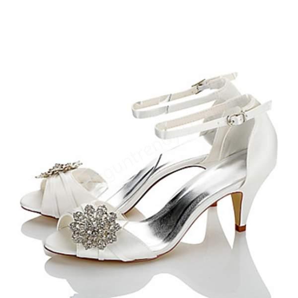 kısa topuklu gelin ayakkabısı