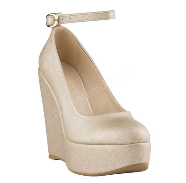 Bej dolgu topuklu gelin ayakkabısı modelleri