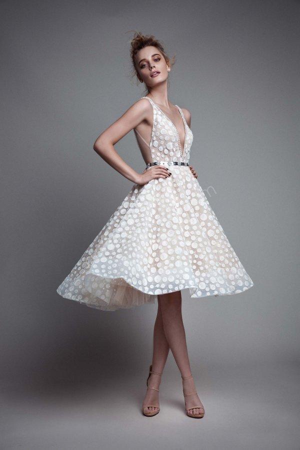 dekolteli puantiyeli kumaş elbise modeli