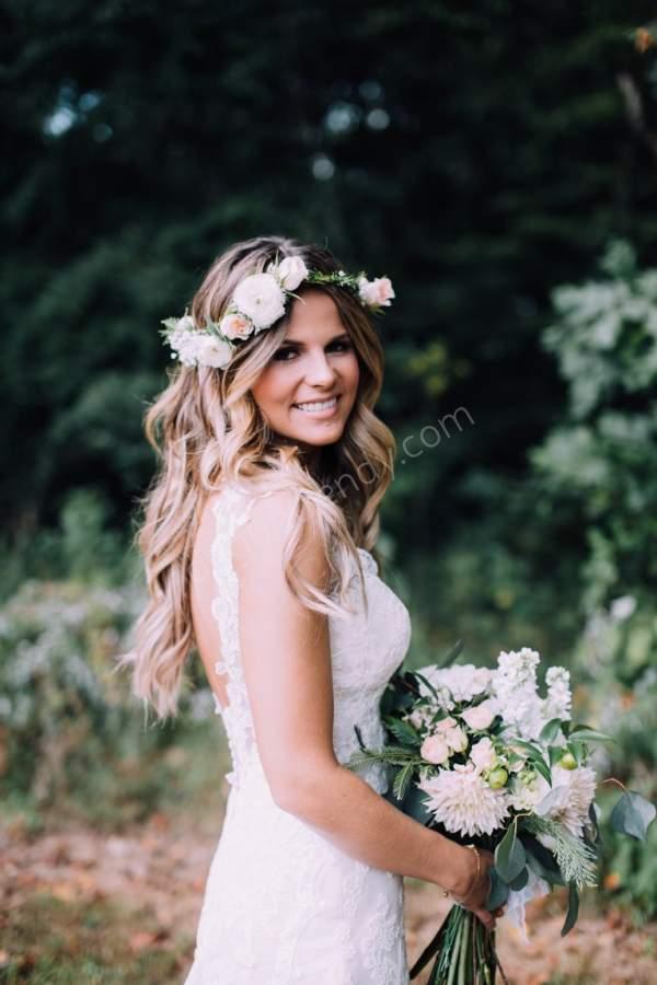 Çiçekli Maşalı Gelin Saç Modeli