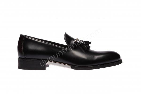 tabanı metal detaylı erkek ayakkabısı modeli