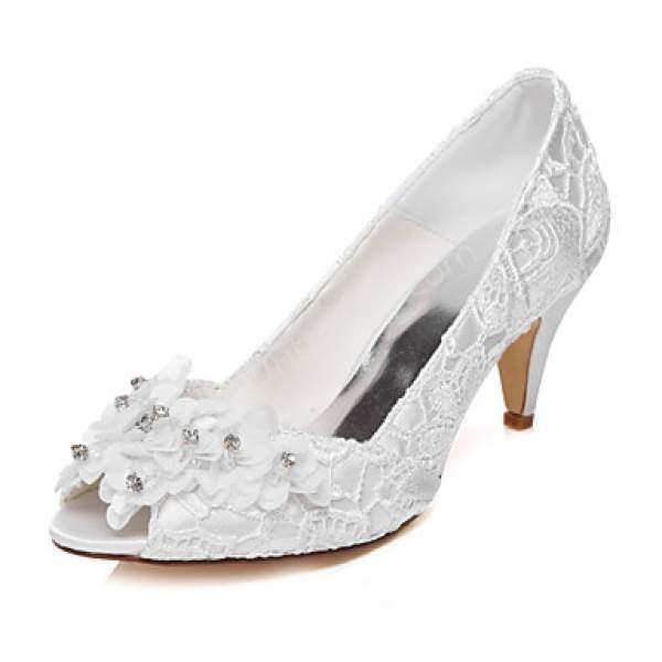Kısa Topuklu Dantel Gelin Ayakkabısı Modeli