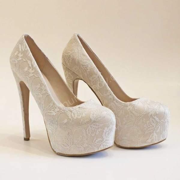 Dantelli yüksek topuklu gelin ayakkabısı modelleri nelerdir