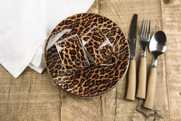 leopar desenli fincan takımı modeli