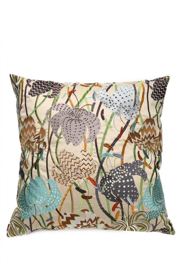 çiçek desenli dekoratif yastık modeli