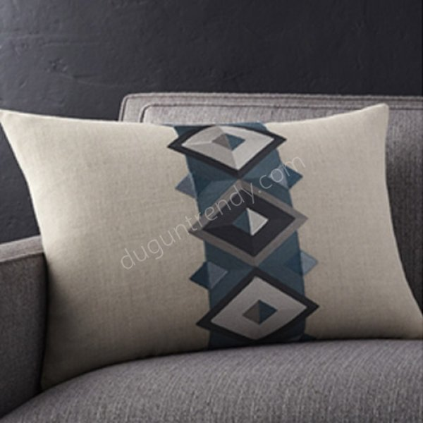 geometrik desenli dekoratif yastık modeli