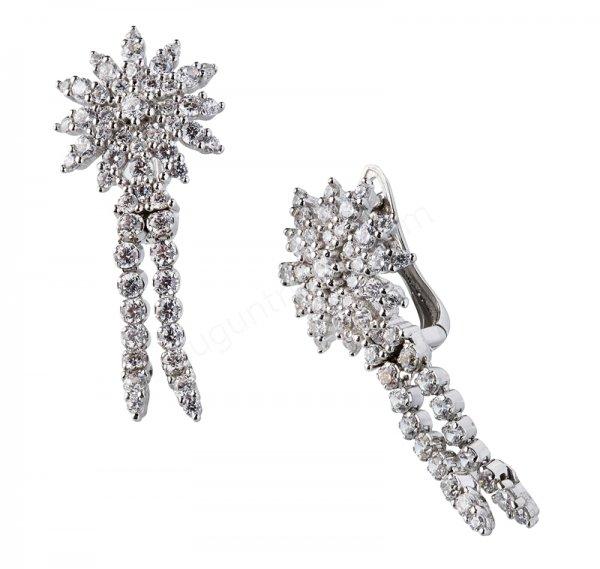 çiçek şeklinde taşlı küpe modeli