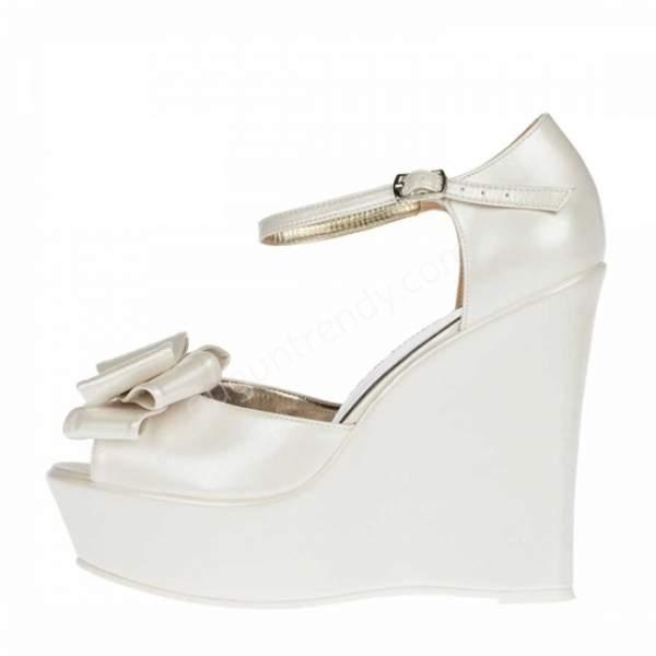 Fiyonklu dolgu topuklu gelin ayakkabısı modelleri nelerdir