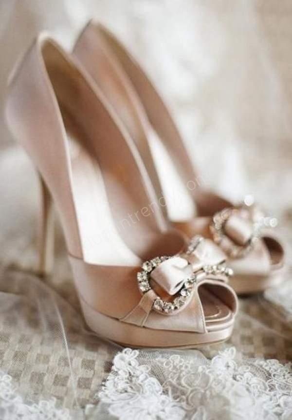 Fiyonklu Pastel Renkli Ayakkabı