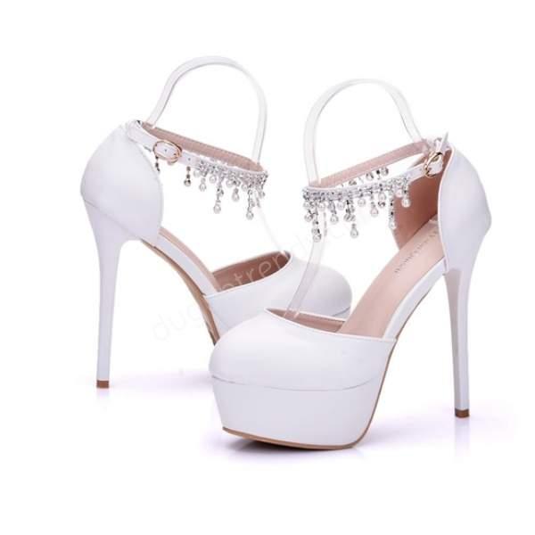 Kristalli yüksek topuklu gelin ayakkabısı
