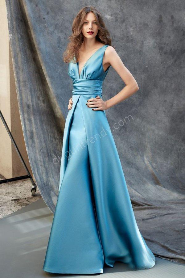 saten kumaş göğüs dekolteli  elbise modeli