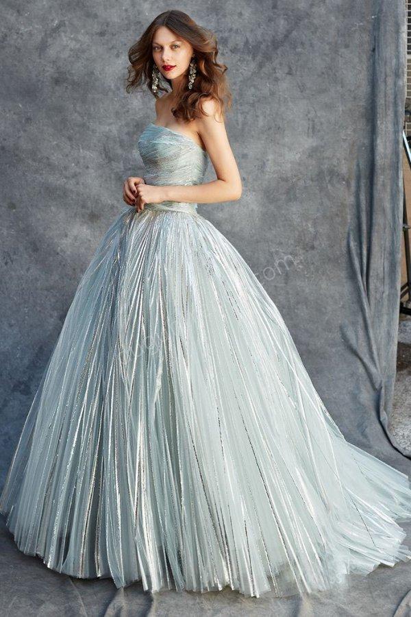 ışıltılı kumaş kabarık etekli  elbise modeli