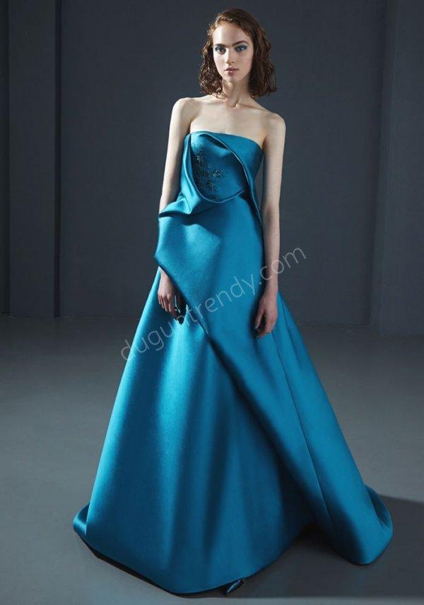 e1ba461df4772 saten kumaş straplez elbise modeli