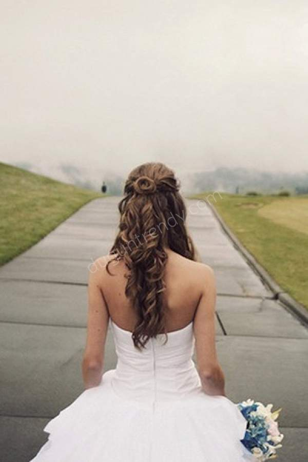 Romantik Gelin Saçı Modeli