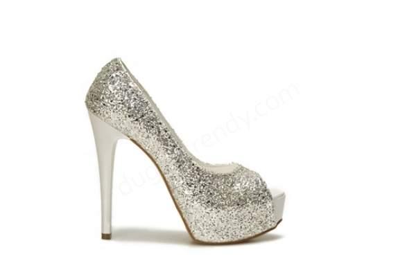 Simli yüksek topuklu gelin ayakkabısı modelleri nasıldır