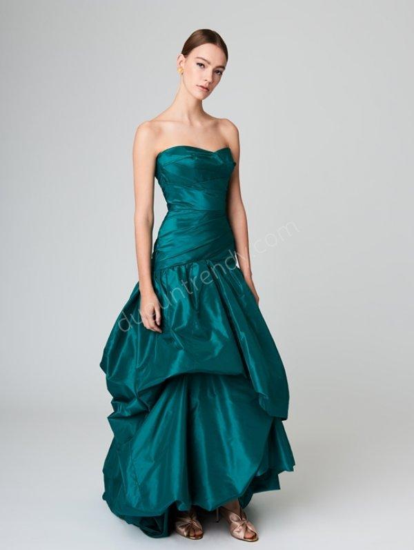 straplez yaka elbise modeli