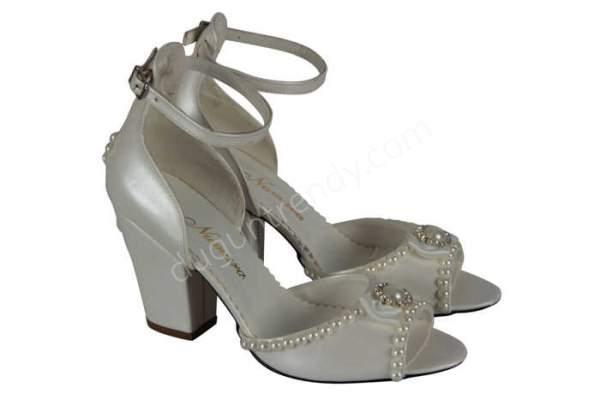 kısa topuklu gelin ayakkabısı nasıldır