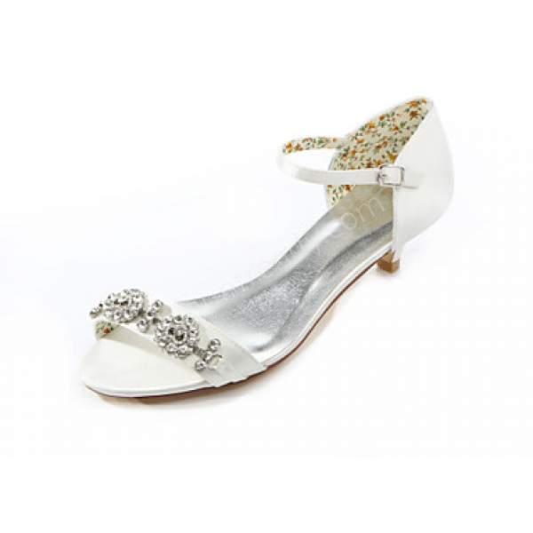 taşlı motiflerle süslü gelin ayakkabısı modelleri