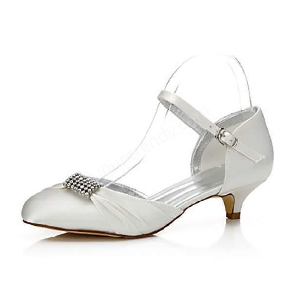Kısa topuklu gelin ayakkabısı modelleri nelerdir