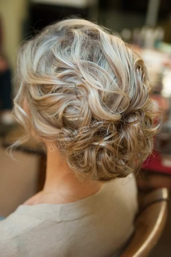 Toplu Kıvırcık Gelin Saçı Modelleri Nelerdir