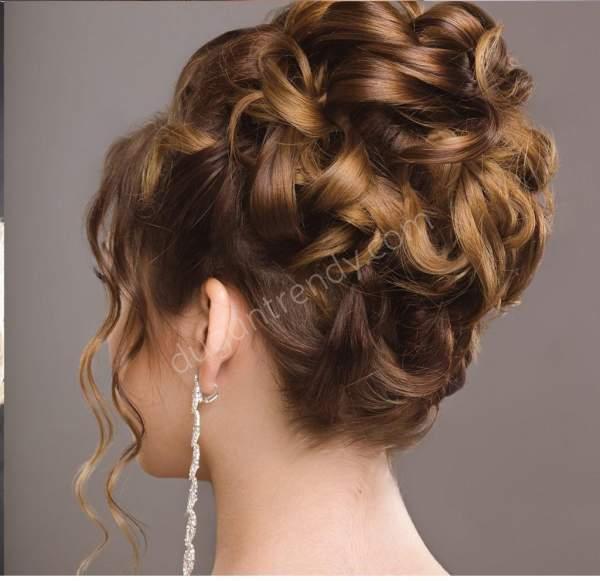 Gösterişli topuz nişan saçı modeli