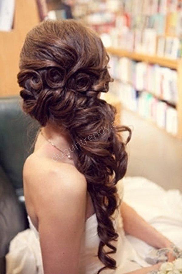 sade gelin saçı modeli