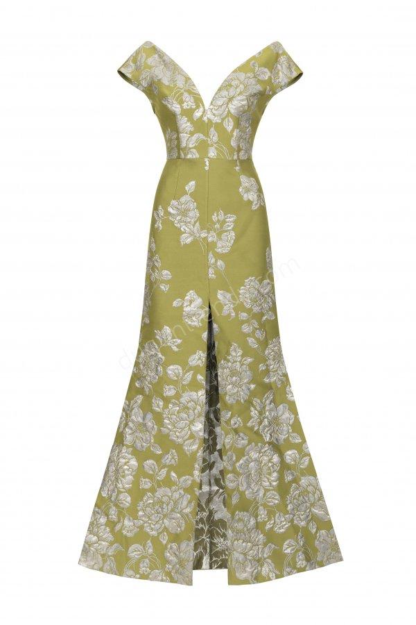 çiçek desenli V yaka elbise modeli