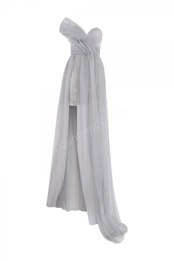 uzun tül detaylı mini elbise modeli