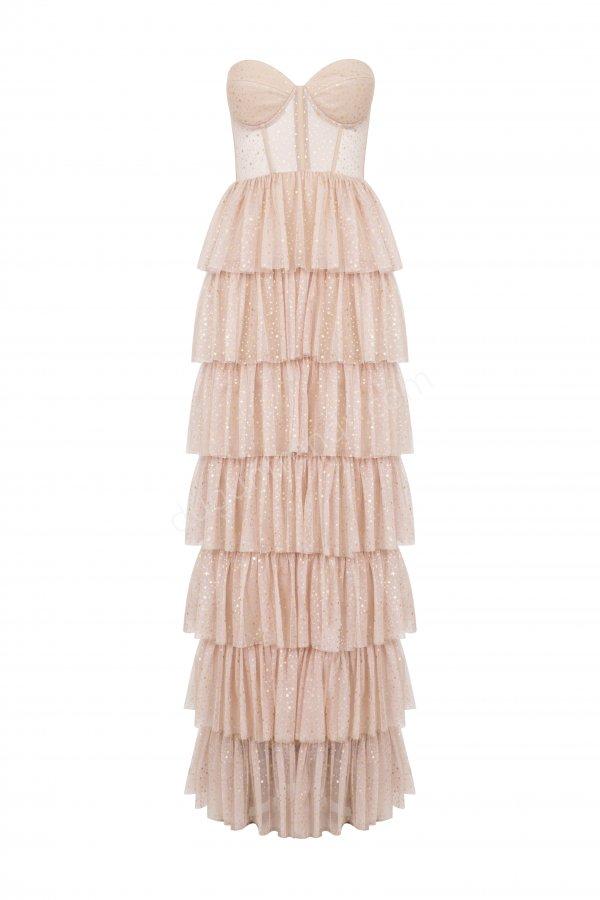 kat kat etek detaylı straplez yaka elbise modeli