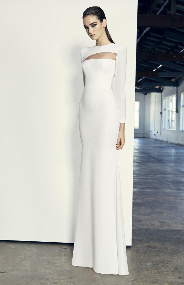 göğüs üstü dekolteli uzun kollu elbise modeli
