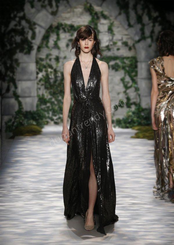 pul detaylı elbise modeli