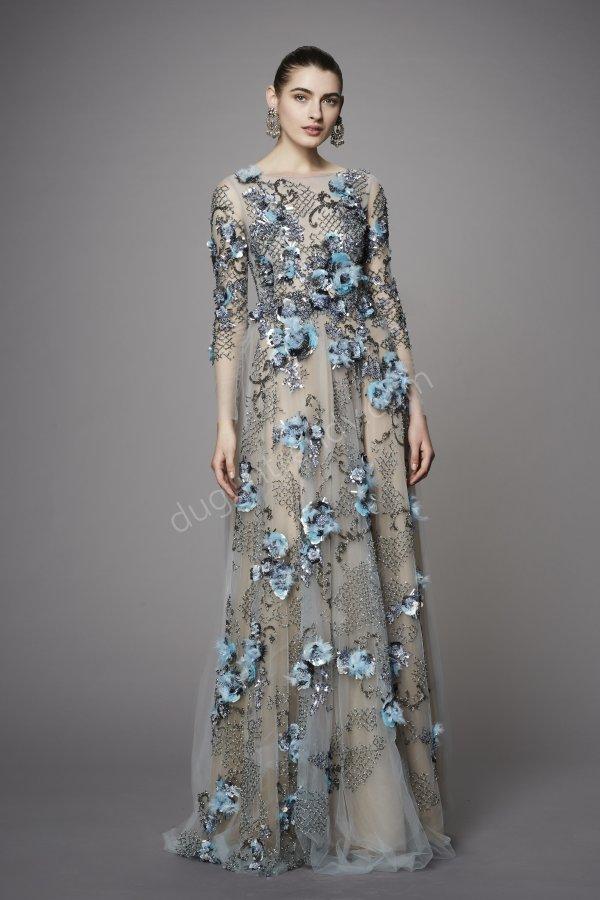 tül üzerine mavi çiçek detaylı elbise modeli