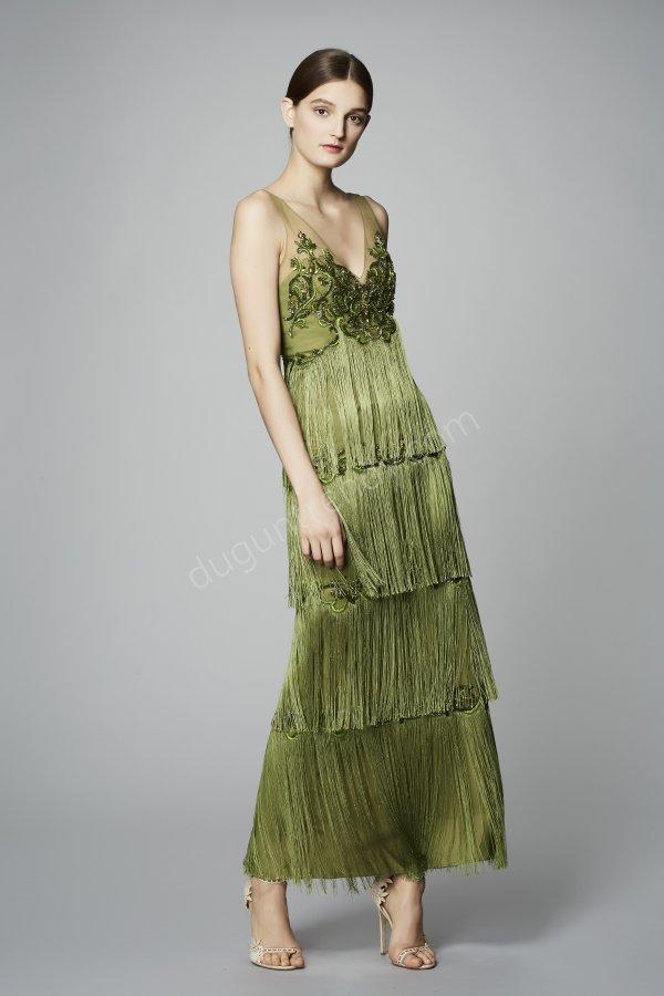 V yaka püsküllü elbise modeli