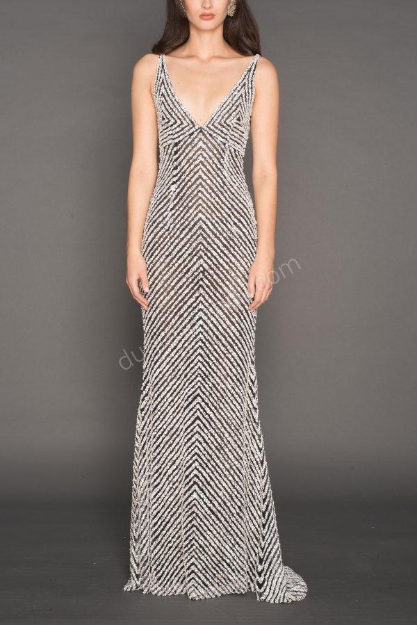 V yaka düz kesim elbise modeli