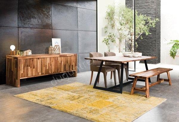 metal ayaklı masa tasarımlı yemek odası modeli