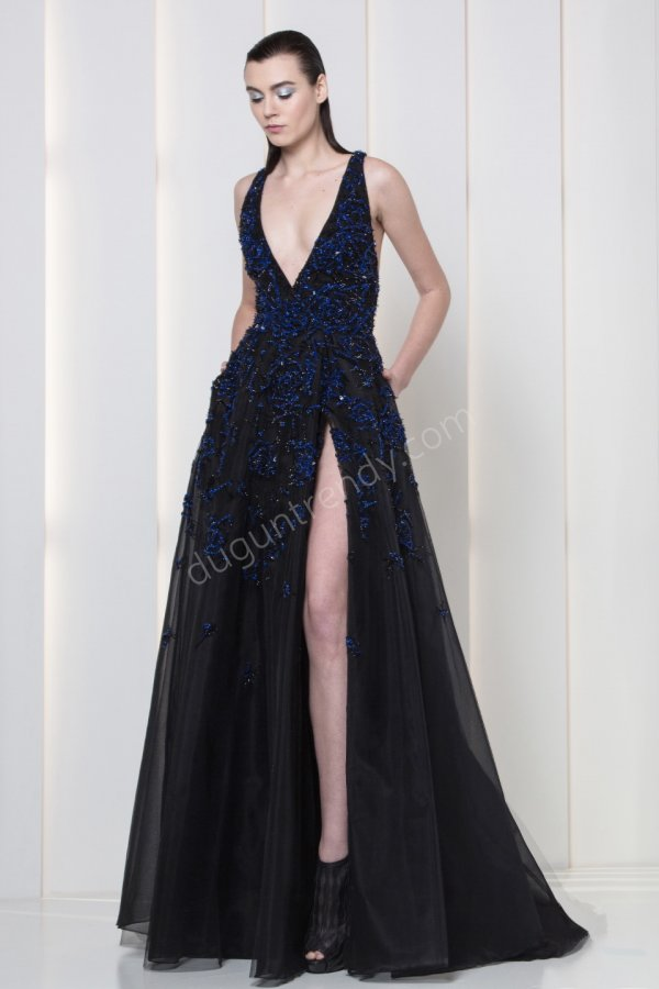 göğüs ve bacak dekolteli  elbise modeli