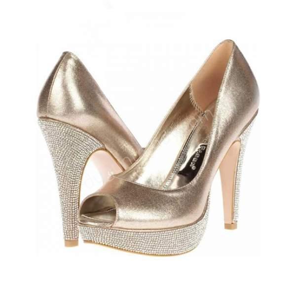 Yüksek topuklu altın gelin ayakkabısı modelleri nasıldır