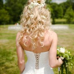 Kıvırcık Gelin Saçı Modeli