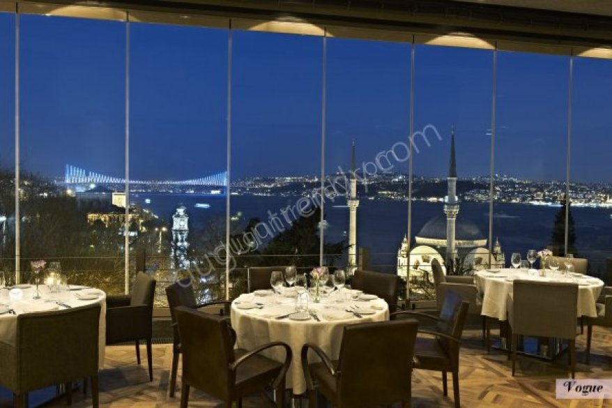 İstanbul Vogue evlilik teklifi