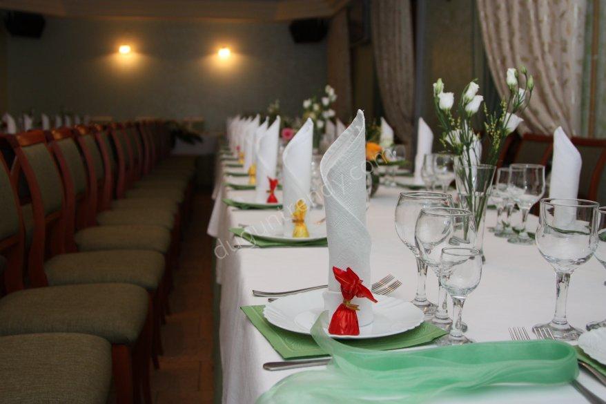 düğün teması ve masa düzenlemesi